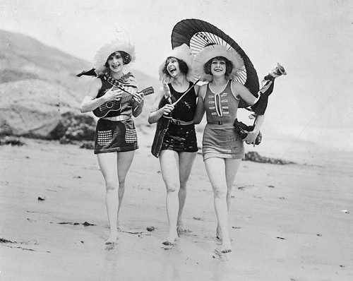 Vintage Photo of Three Bathing Beauties With Ukelele