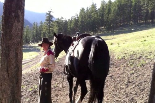Turn on your images to see: Laurie and her horse